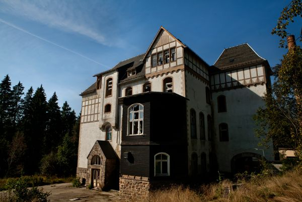 Photo of the abandoned Sankt Marien Heilstätte an undisclosed place in Germany