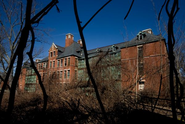 Photo of the abandoned Norwich State Hospital in Preston, CT