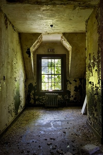 Exit Window; Heptner State Hospital
