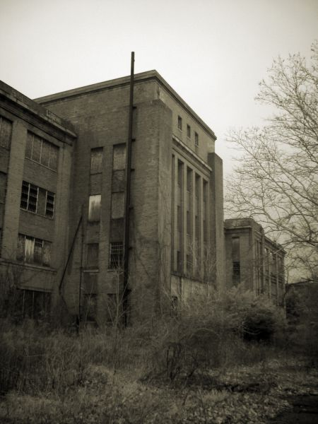 Photo of the abandoned Philadelphia State Hospital (Byberry) in Philadelphia, PA