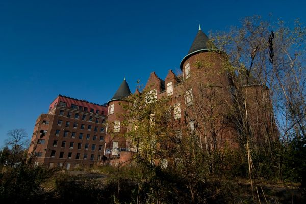 Photo of the abandoned Samuel R. Smith Infirmary in Staten Island, NY