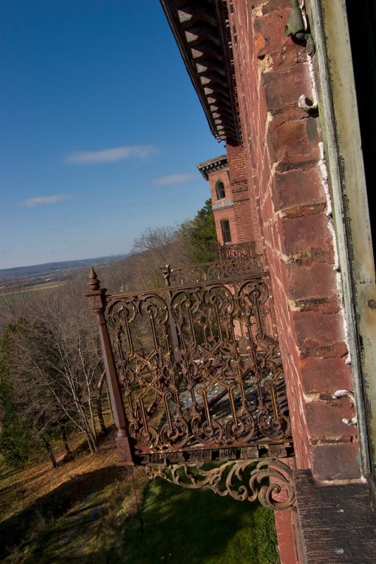 Photo of the abandoned Jackson Sanatorium in Dansville, NY