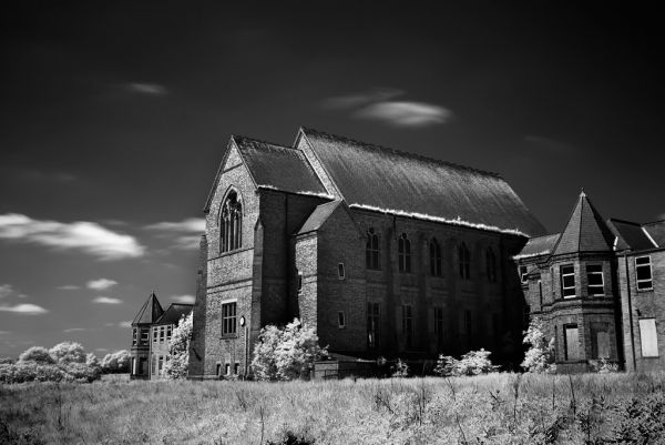 Photo of the abandoned Cherry Knowle Hospital in Ryhope, Durham England