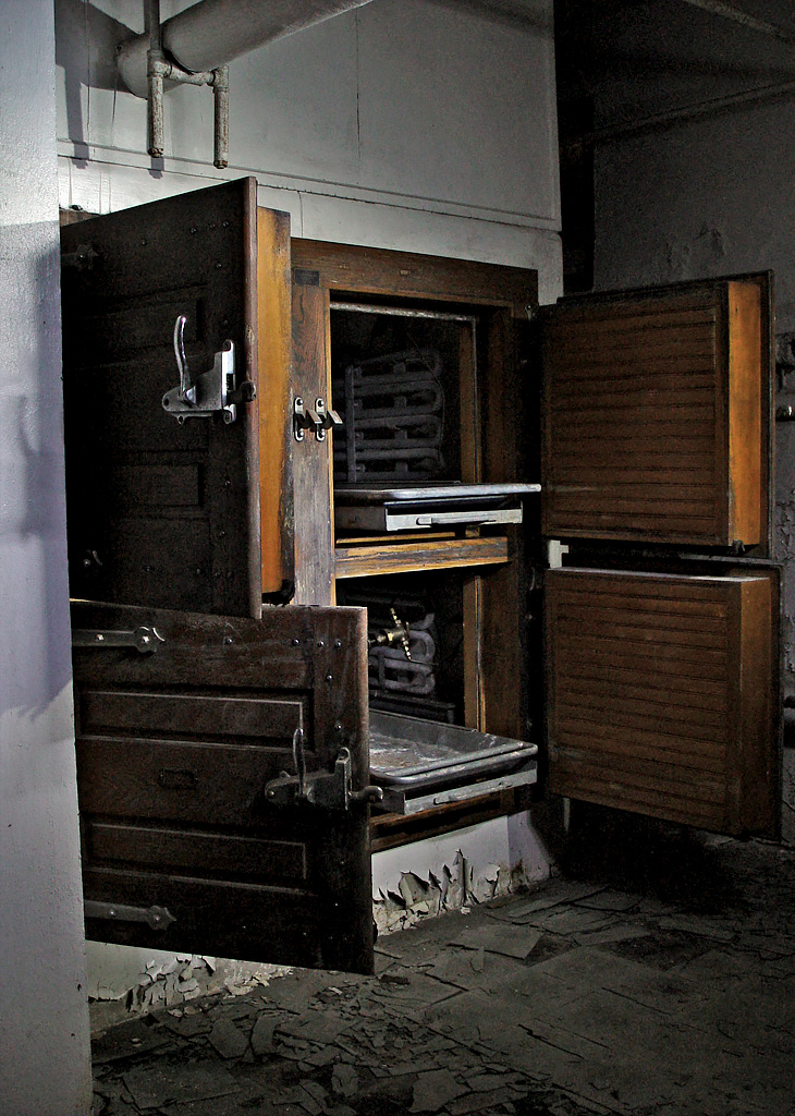 Village Auto Body >> Morgue - Photo of the Abandoned Letchworth Village