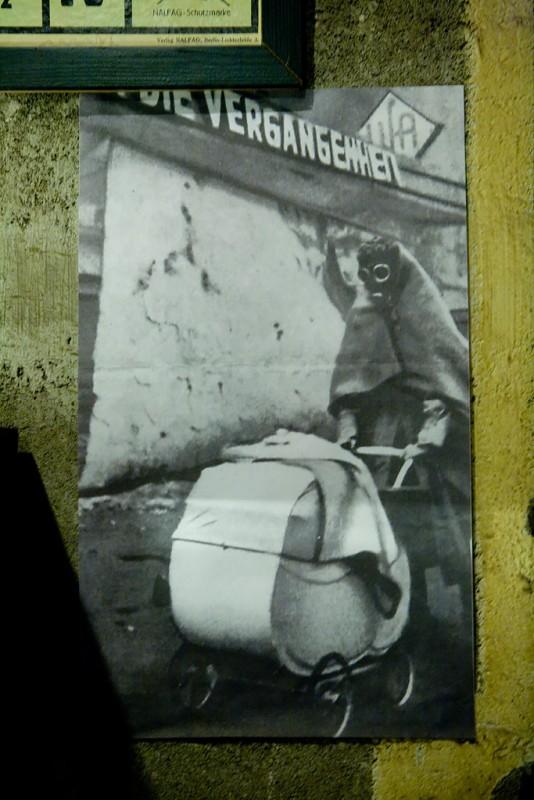 Mutter Und Kind; Berliner Bunkerwelten